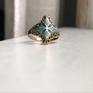 Jewelry - Beautiful silver and turquoise ring